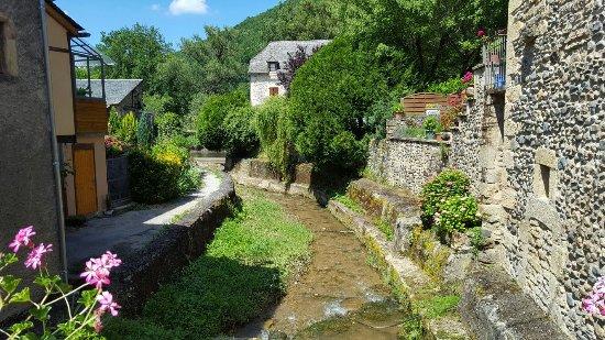 Sainte-Eulalie-d'Olt, França: Aveyron été 2016 avec Mary et Allan (75)_large.jpg