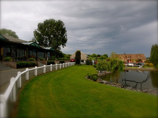 Vue vers le jardin et parking photo de la ferme du for Vers du jardin
