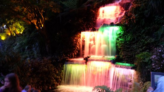 New Plymouth, Nya Zeeland: The water fall at night
