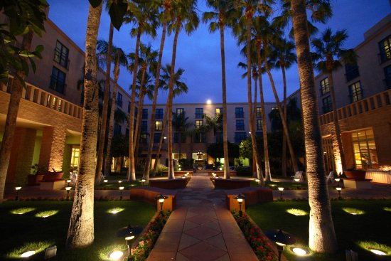 Tempe Mission Palms: Other Hotel Services/Amenities