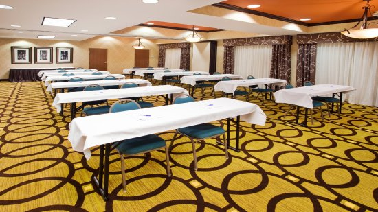 Holiday Inn Express Peachtree Corners/Norcross: Choose from a variety of setups to suit your needs!