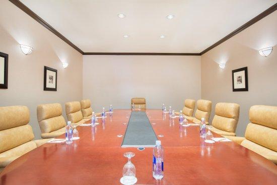 Concord, CA: Vineyard Boardroom