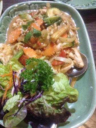 Caroline Springs, Αυστραλία: Satay Chicken and Vegetables