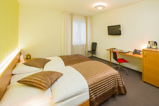 Dietikon, Suiza: SUPERIOR TWIN BEDDED ROOM