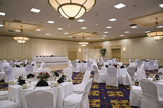 Boxborough, MA: The Grand Ballroom