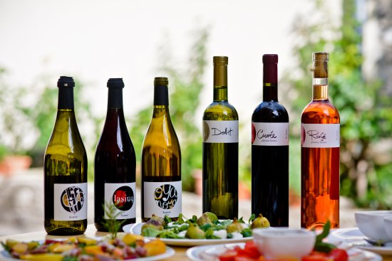 Skradin, Kroasia: 6 wines, made from native varieties