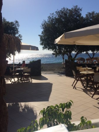 Arion Bay Hotel: Breakfast terrace