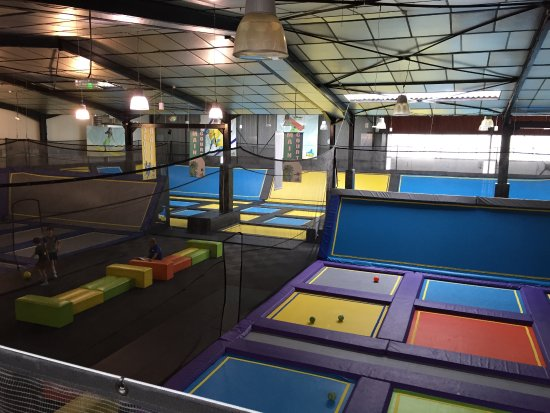 stor tumleplass picture of trampoline park let 39 s jump bordeaux bordeaux tripadvisor. Black Bedroom Furniture Sets. Home Design Ideas