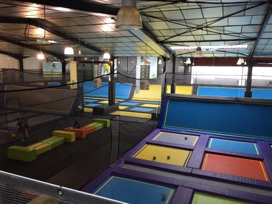 stor tumleplass picture of trampoline park let 39 s jump bordeaux bordeaux tripadvisor. Black Bedroom Furniture Sets. Home Design Ideas