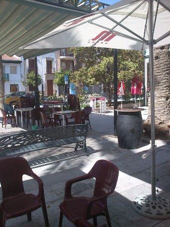 Nueva Carteya, España: Terraza Bar Las Palmeras