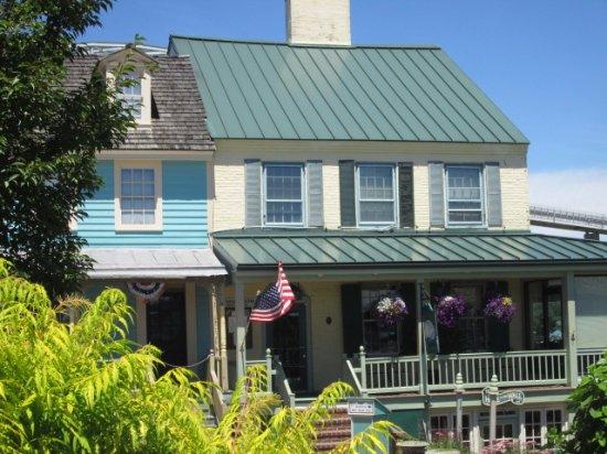 Chesapeake City, MD: exterior, Bayard House