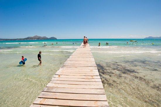 Bryggan vid Playa de Muro - Picture of Playa de Muro Beach, Playa de Muro - T...
