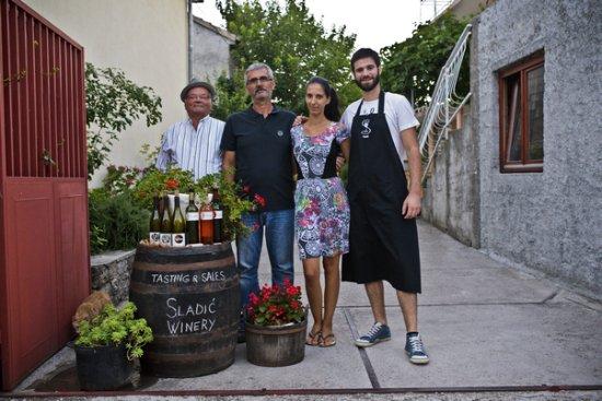 Скрадин, Хорватия: family, three generations