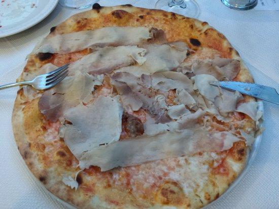 Casale sul Sile, İtalya: Pizza porchetta e salsiccia