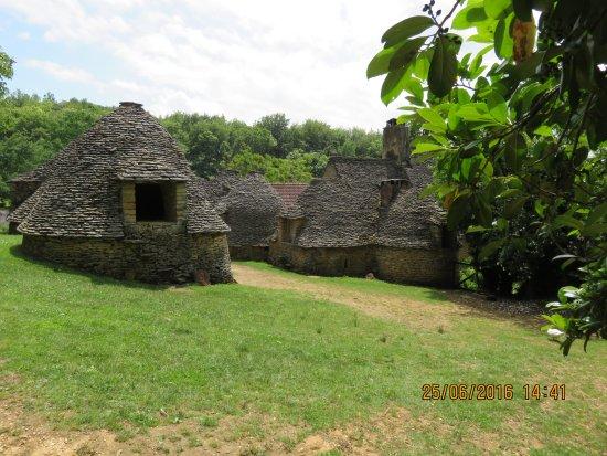 Saint-André-d'Allas, Frankreich: ensemble du village