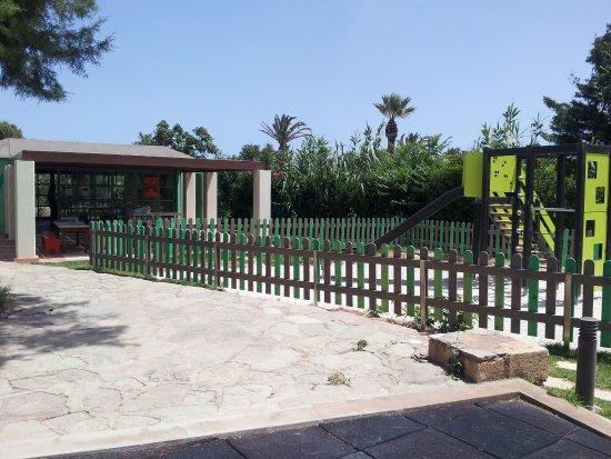 Agapi beach hotel h raklion gr ce voir les tarifs for Aquatic sport center jardin balbuena