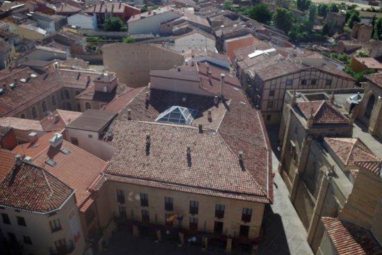 Parador de Santo Domingo de la Calzada: Vista del Parador desde la Torre Exenta