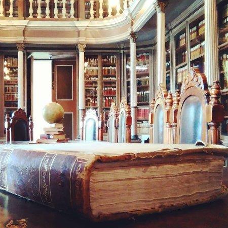 Biblioteca e Museo Comunale Barone Mendola