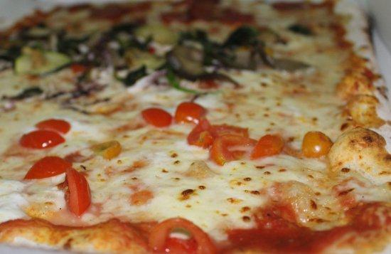 Metropizzeria Gabbiano Rosso: pizza al metro d'asporto