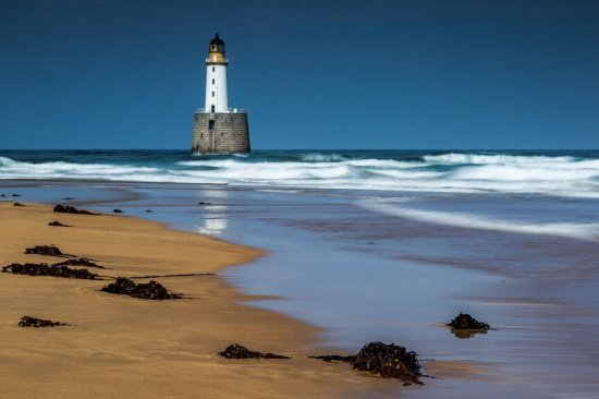 Peterhead, UK: Rattray head lighthouse and beach