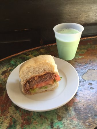 Tujague's Restaurant: Brisket & grasshopper!
