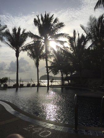 Noble House Beach Resort: Bra hotell direkt vid havet !!  Med mycket bra frukost meny, ägg bacon rostat bröd yoghurt frukt