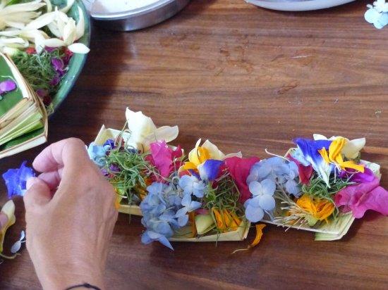 Pariliana, Maison et Table d'Hotes a Bali: Cours de fabrication d'offrandes
