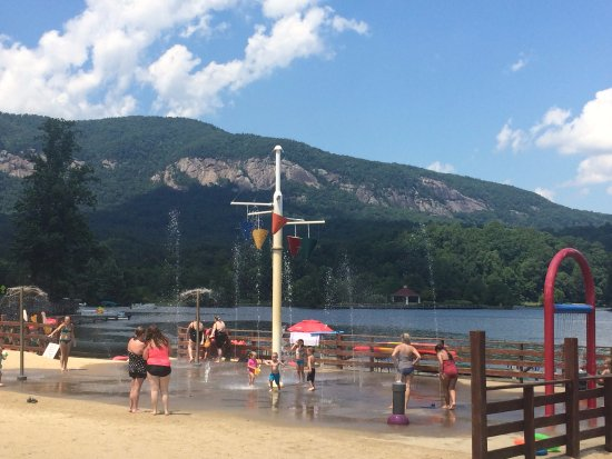 Lake Lure, NC: Sprinkler area