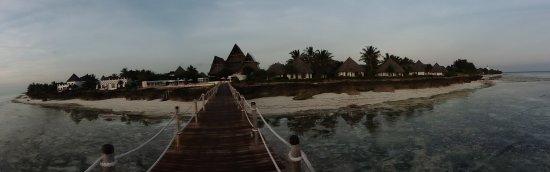 Essque Zalu Zanzibar: photo of Zalu taken from the pier when the tide was out.