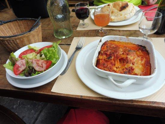 Allevard, Francja: Lasagnes et salade verte