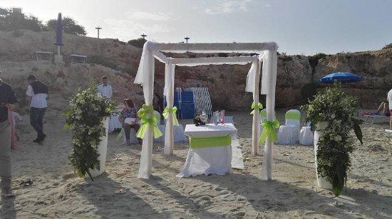 Matrimonio In Spiaggia Lampedusa : Allestimento in spiaggia picture of portu ntoni restaurant