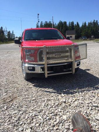 Port-Menier, Canada: Rental car.