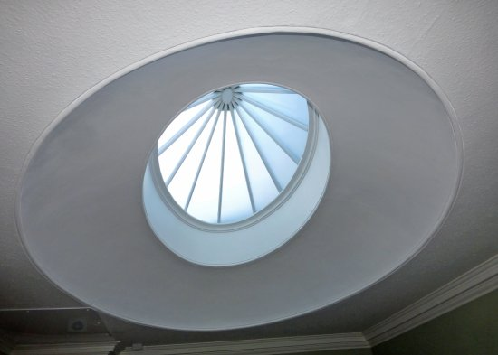 Adria House: Magnificent ceiling dome in our en suite bathroom