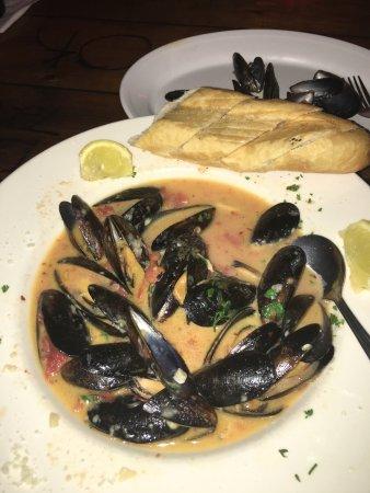 Kody's Restaurant and Bar: Mussels Diablo at Kody's