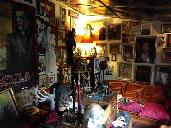 Musee des Vampires Et du Monde de l'Imaginaire