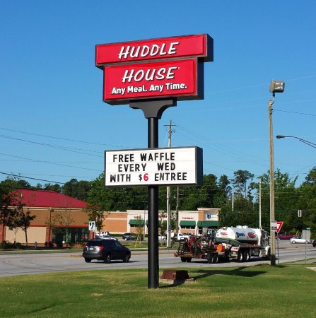 Snellville, GA: Sign gets your attention.