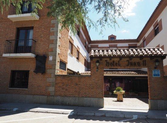 Hotel Juan II: Patio de entrada
