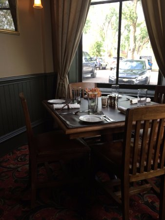 Fort Benton, MT: Corner dining table
