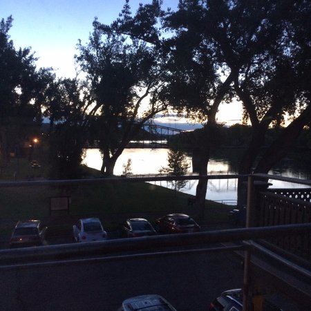 Fort Benton, Монтана: Missouri Sunrise from the Grand Union Hotel