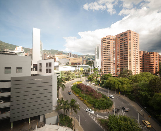 FOUR POINTS BY SHERATON MEDELLIN $75 ($̶1̶1̶0̶) - Updated 2019