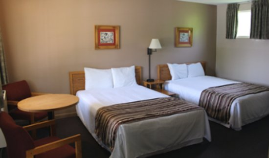 Colonial Resort & Spa: Standard room-2 double beds