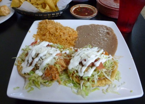 Moses Lake, WA: Sopes con Pollo...