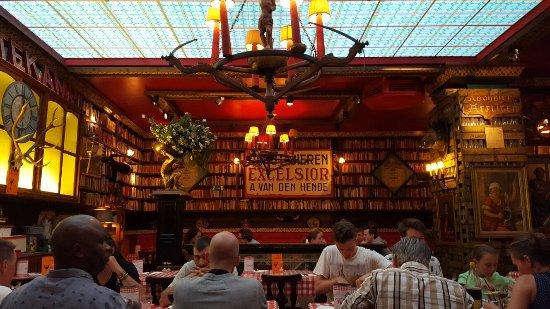 Antwerp Province, Belgique : Grappig, gezellig interieur
