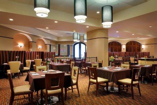 Modesto, CA: Maxis Restaurant