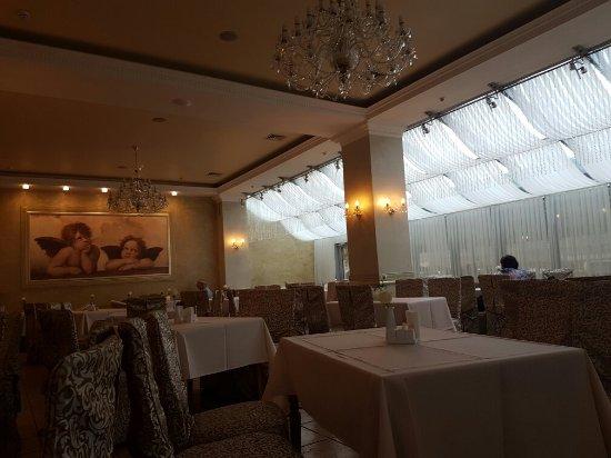 Nadiya Hotel & Restaurants: 20160714_200259_large.jpg