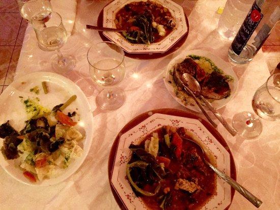 Ponta Do Sol, Kap Verdeöarna: Wir haben Cachupa a la maison bestellt und es war köstlich!!! Das Restaurant heisst Vony mit ein
