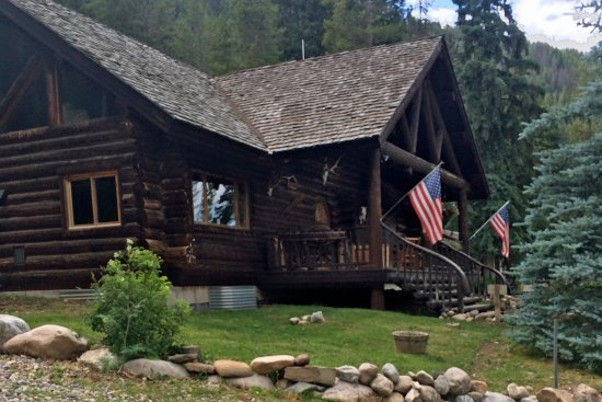 Covered Wagon Ranch: The Lodge