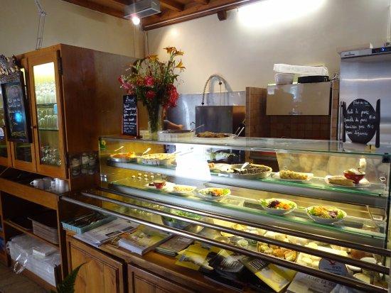 La Grange: Alguns pratos prontos a mostra, mas dá para pedir pratos que serão feitos na hora