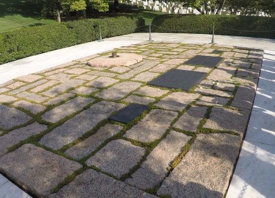 John F. Kennedy Grave Site : tumba de Kennedy y Flia