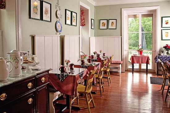 Fox and Hound Bed and Breakfast of New Hope: Hot Gourmet Breakfast Always Included w/Your room